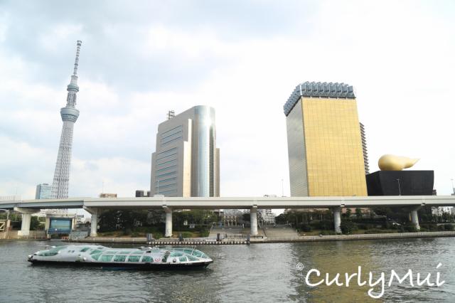 晴空塔(左)是全球最高塔。