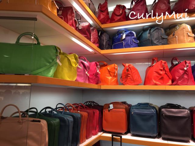 除購物包以外,皮袋也有豐富的顏色選擇。
