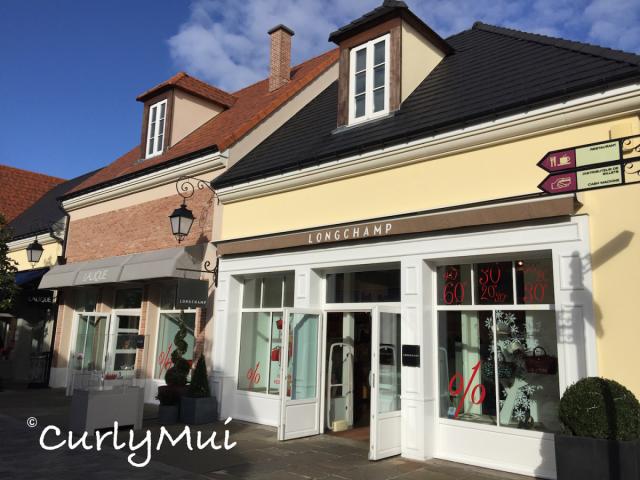 Longchamp是山谷購物村最人氣的商店。