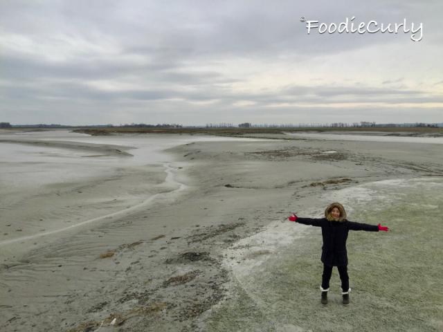 在回程的路上,可以到泥灘上拍拍照。