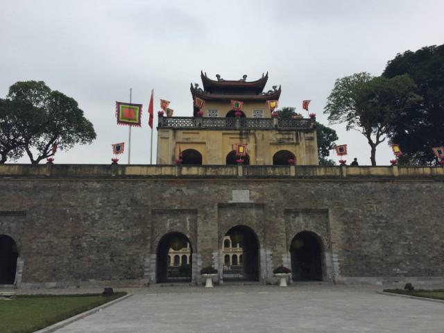 昇龍皇城(河內故宮),很冷清,除了我們以外,就只有當地小學生到訪。