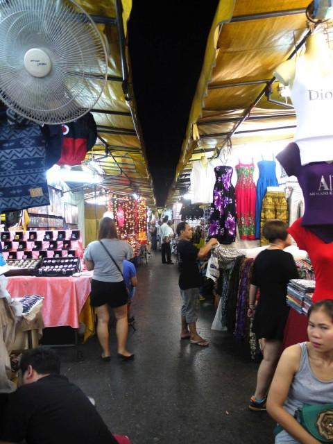 曼谷 地鐵 沿線 5天懶人包 湄南河 沿岸 古蹟遊 Silom Night Market