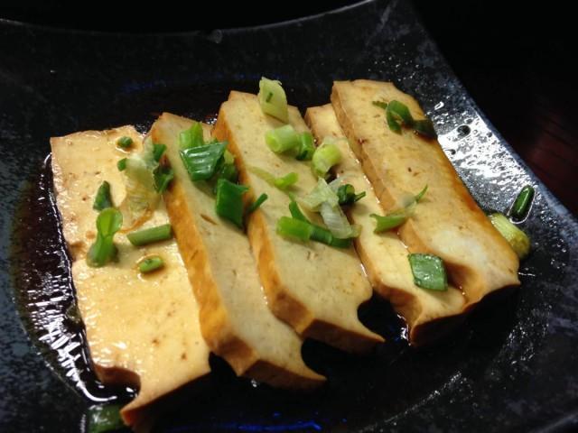 香港 銅鑼灣 登龍街 小店 辣 麵館皇 小炸雲吞 豆腐