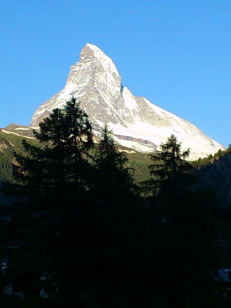 Zermatt Youth Hostel對正馬特洪峰