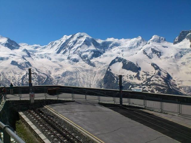 Gornergrat火車站很酷!