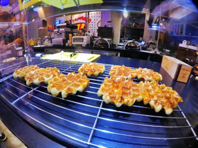 香港 中環 嘉咸街 小巷 甜點 比利時 窩夫 wafffle 即叫即做