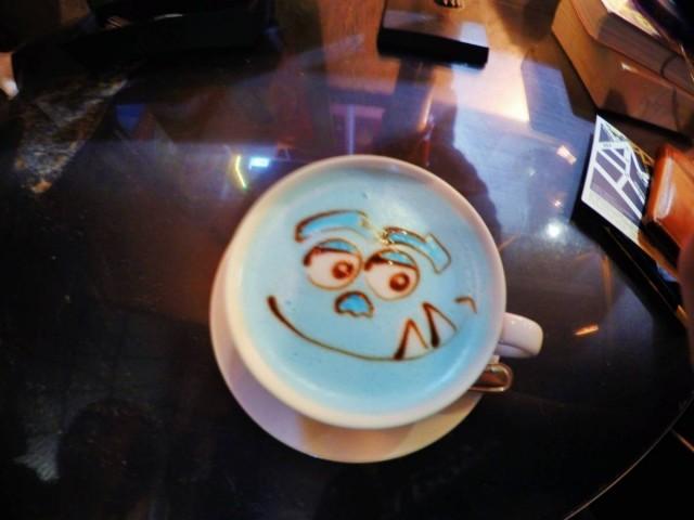 香港 禮頓山 銅鑼灣 舒適 cafe R&C 毛毛 三眼仔 叮噹 拉花 latte
