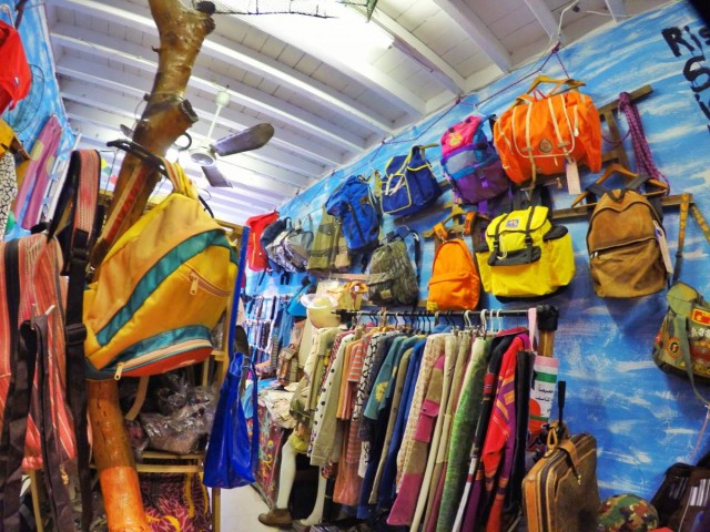 香港 大澳 吉慶街 自家 設計 環保 時裝 品牌 backpack 山系 衣服 相機帶