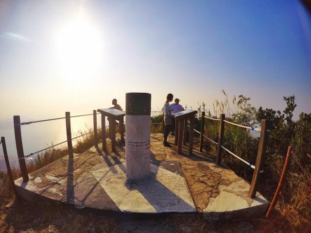 香港 行山 盧吉道 山頂 觀景台 西高山 風景 天梯 太平山 維多利亞港 登頂