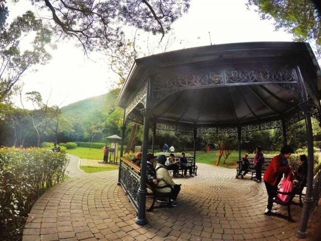 香港 行山 盧吉道 山頂 觀景台 西高山 風景 涼亭