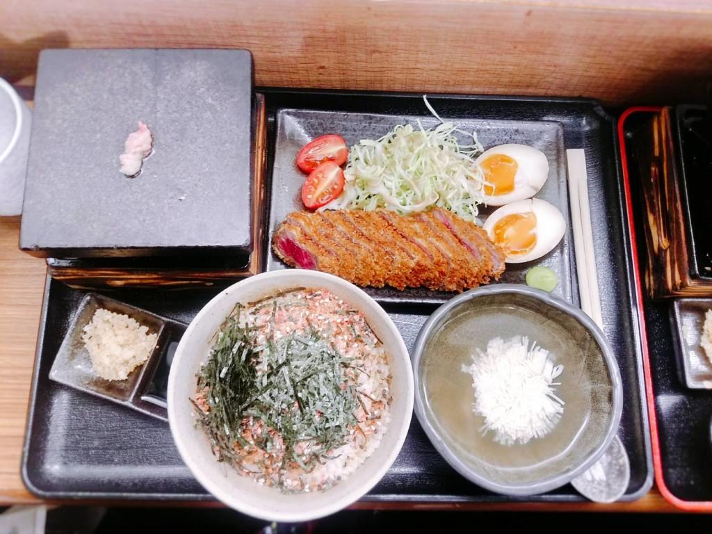 石燒吉列牛小排定食($138)