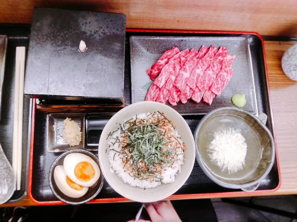石燒一口牛肋肉定食($128)